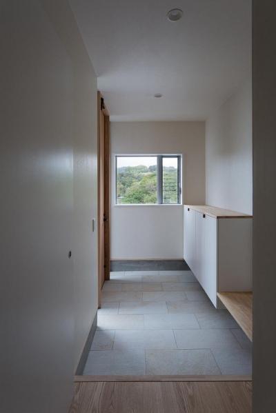 玄関 (Tei 海がみえる家)
