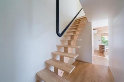 階段 (Tei 海がみえる家)