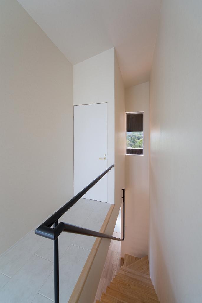 Tei 海がみえる家の部屋 階段