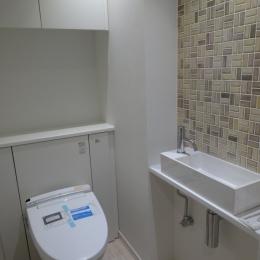 『50代からのリノベーション』 東戸塚邸 (バリアフリーなトイレ)