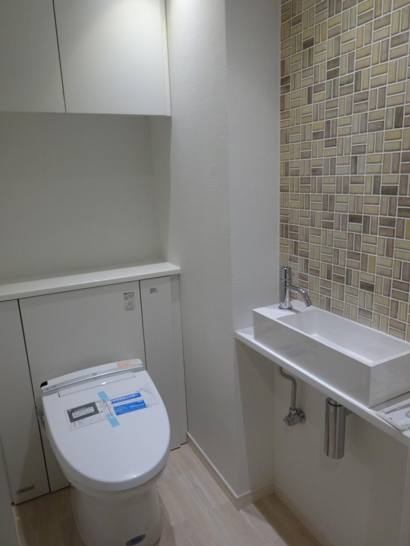 『50代からのリノベーション』 東戸塚邸の写真 バリアフリーなトイレ