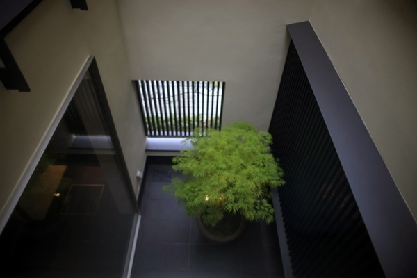 建築家:古前極「hikariniwa」