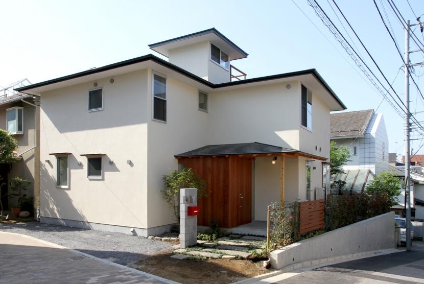 ナツミカンの木と家の写真 外観
