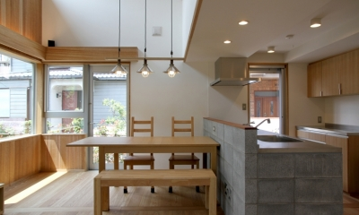 ナツミカンの木と家 (ダイニングキッチン)
