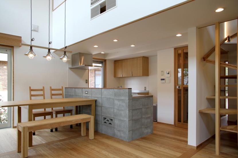 ナツミカンの木と家の写真 キッチン
