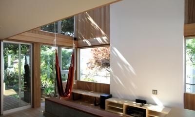 ナツミカンの木と家 (リビング)