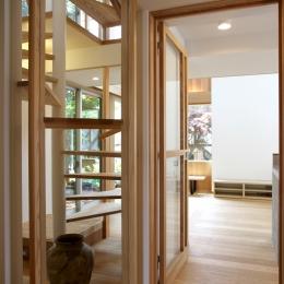 ナツミカンの木と家 (玄関より)