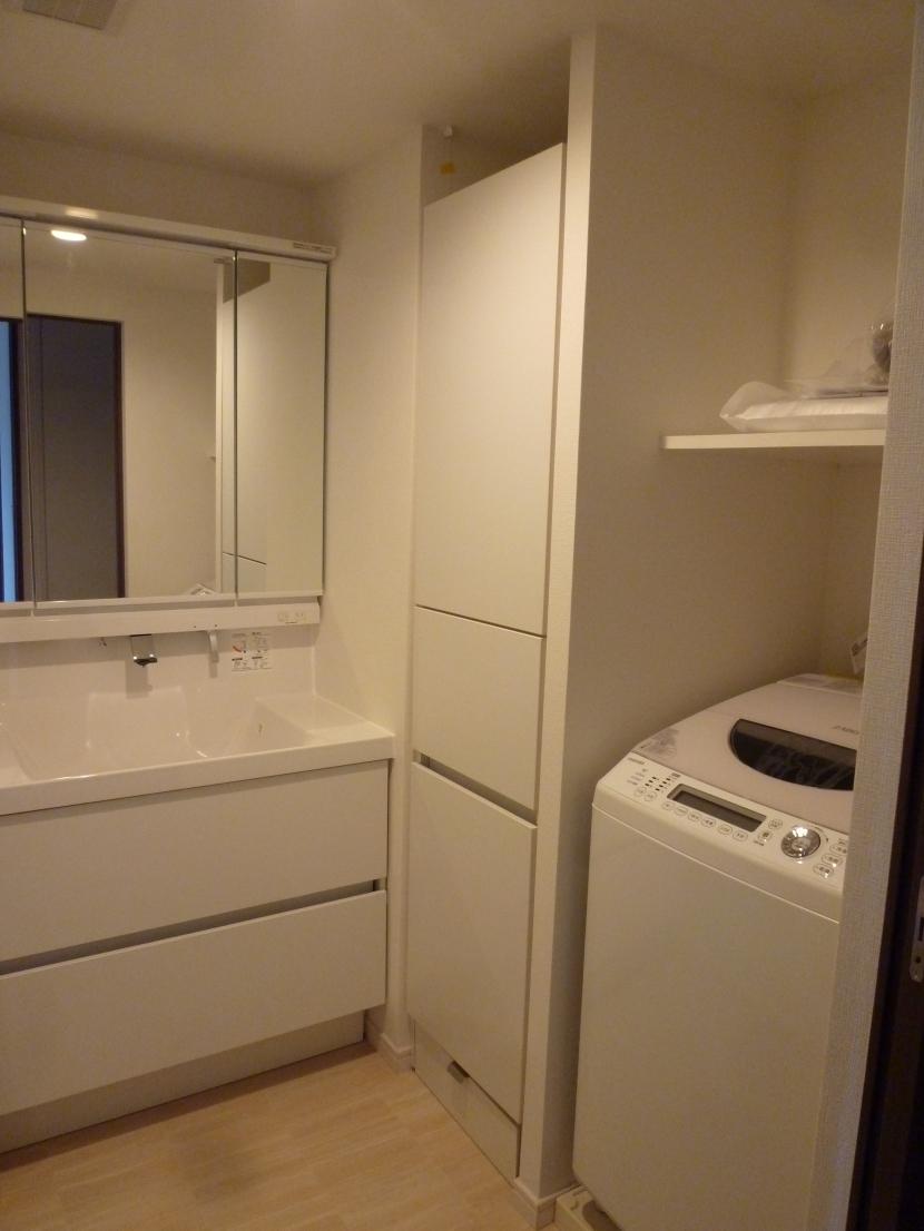 『50代からのリノベーション』 調布邸 (洗面室)