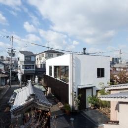 彩ちゃんの家〜大きな吹き抜けサロンのあるバリアフリー対応住宅 (外観)