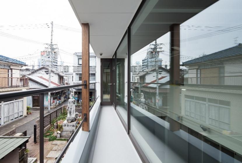 彩ちゃんの家の写真 バルコニー