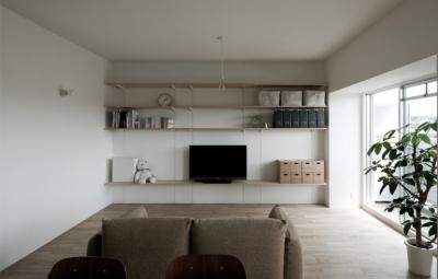 既存の間仕切り・天井を撤去した大きなLDK。 (引き算の家|シンプル・ナチュラルなマンションリノベーション【京都市】)