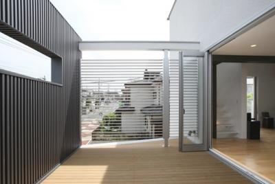 ルーフテラス (T+Kハウジング 2つの庭をもつ2世帯住宅)