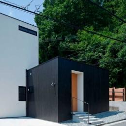 小さな中庭と大きな縁側|プライバシーを守りながら開放的に住む住宅【奈良県生駒市】