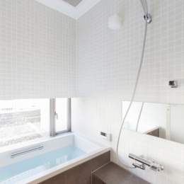 船橋の家 (浴室)