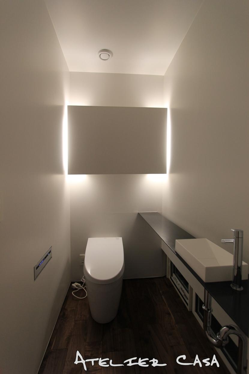 「BOX+庭+BOX」の部屋 トイレ