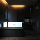 「BOX+庭+BOX」の写真 造作風呂