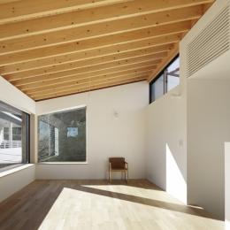 木漏れ日の家 (リビング)