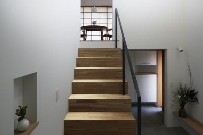階段 (木漏れ日の家)