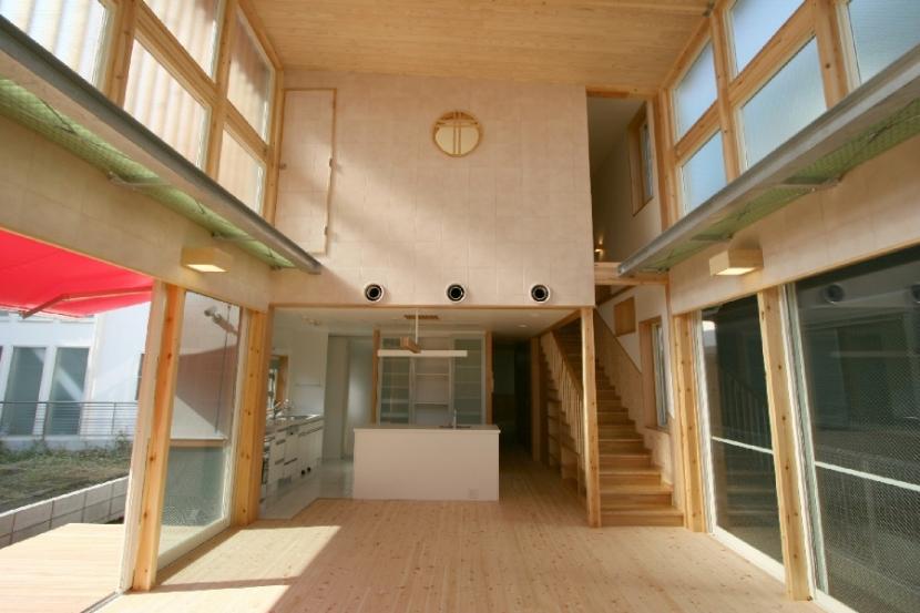 建築家:日吉聰一郎/SO建築設計一級建築士事務所「光・緑・風が通り抜ける住まい」
