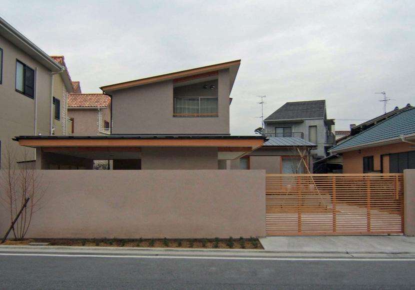 浜寺の家の部屋 道路側外観