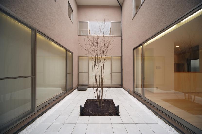 長岡京の家の部屋 中庭