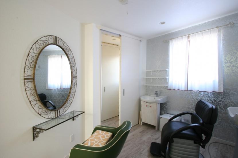 ⊿の家の部屋 美容室