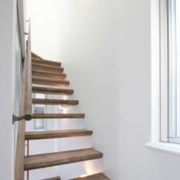 清凜の家 (透けた階段)