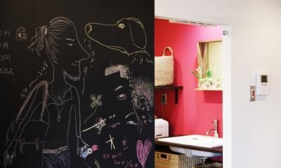 ショッキングピンクな洗面室|マンションリノベーション|名古屋市千種区F邸