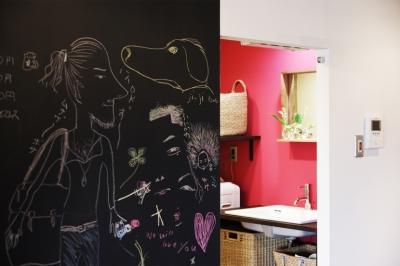 マンションリノベーション|名古屋市千種区F邸 (ショッキングピンクな洗面室)