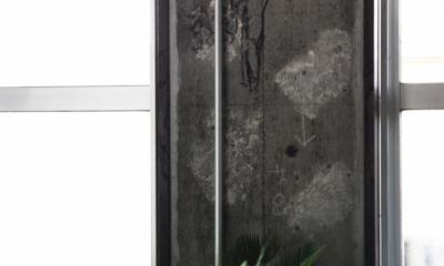 マンションリノベーション|名古屋市千種区F邸 (マンション建設時の職人さんによるエロ落書き。面白いからそのままに。)