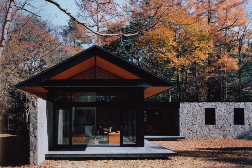 軽井沢の家5 (外観ー庭)