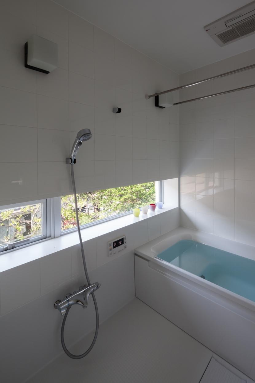 緑と風と光の家の部屋 バスルーム