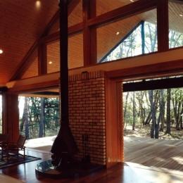軽井沢の家6 (リビングからテラス)