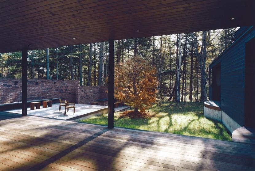 軽井沢の家7の写真 リビング、テラス