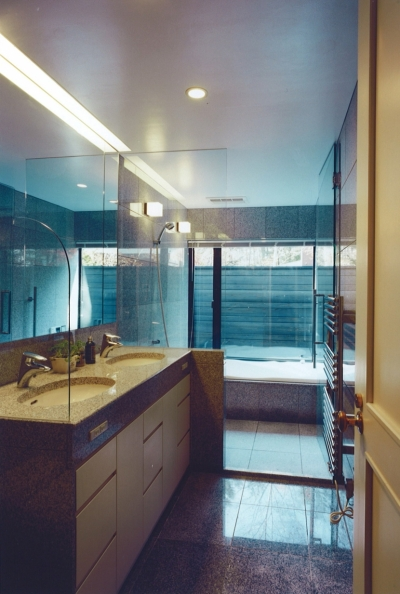 洗面ー浴室 (軽井沢の家7)