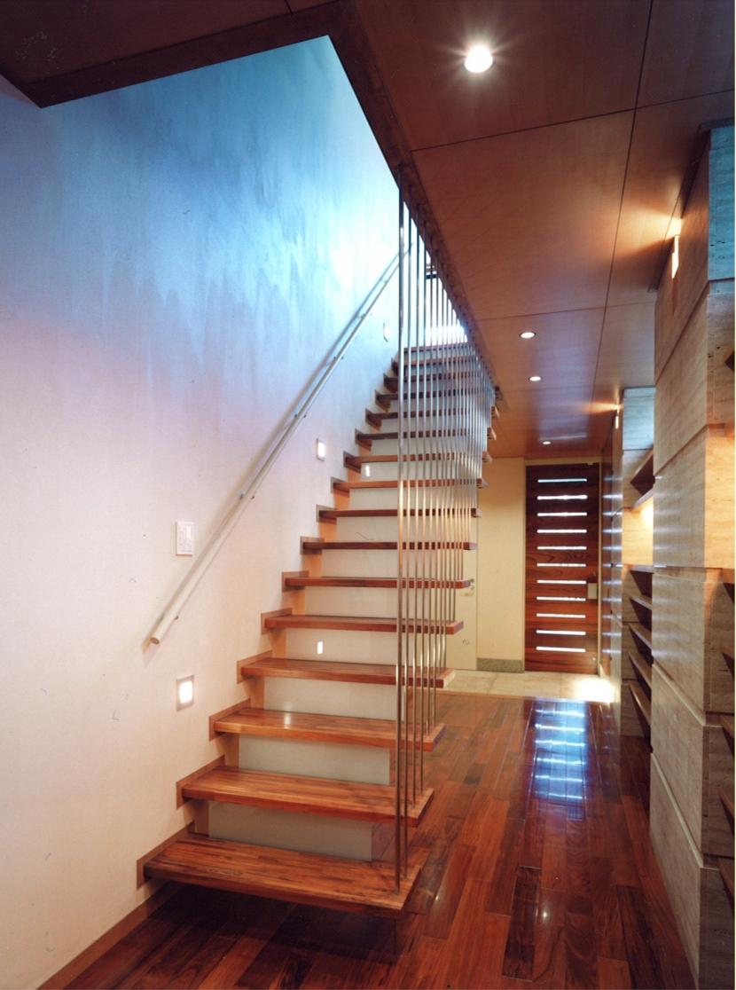 神楽坂の家の部屋 階段