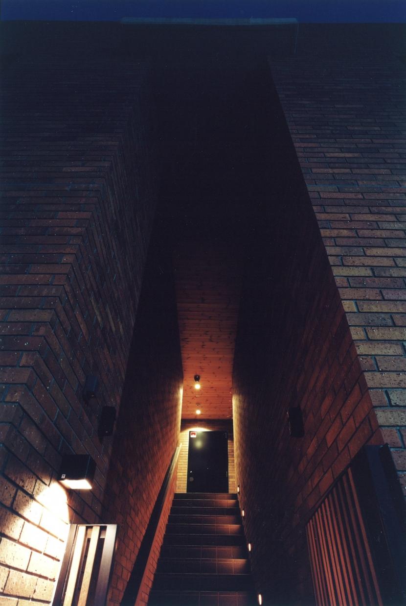 目白の家の部屋 玄関1