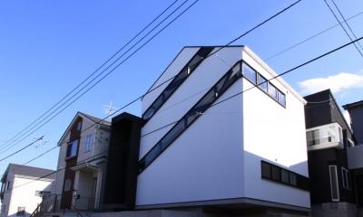デザイン住宅外観いろいろ (オウチ06 斜め窓の家)