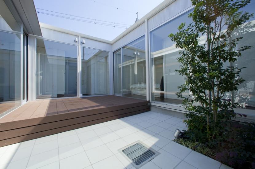 建築家:松井 豊「PATIO」