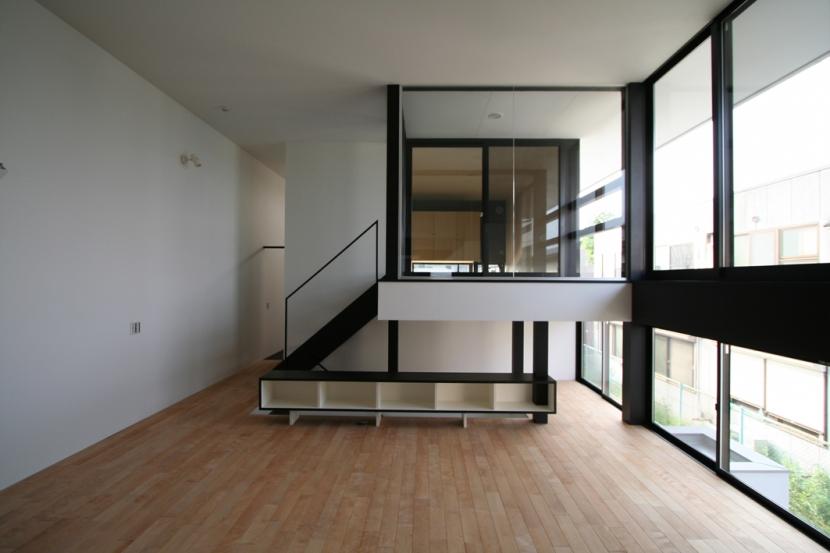 リビングのデザイン・いろいろなあり方の部屋 インナーテラスのあるリビング