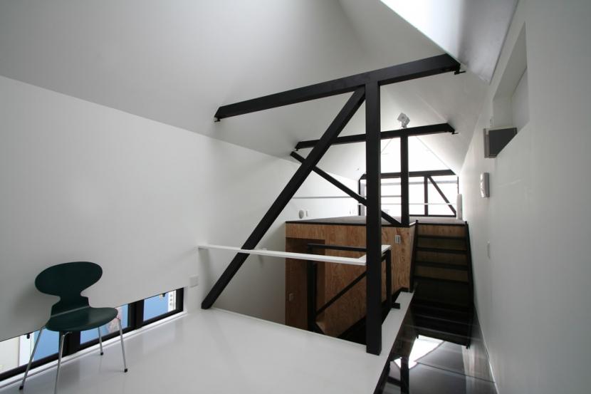 リビングのデザイン・いろいろなあり方の部屋 幅3mの家 スキップフロアのLD