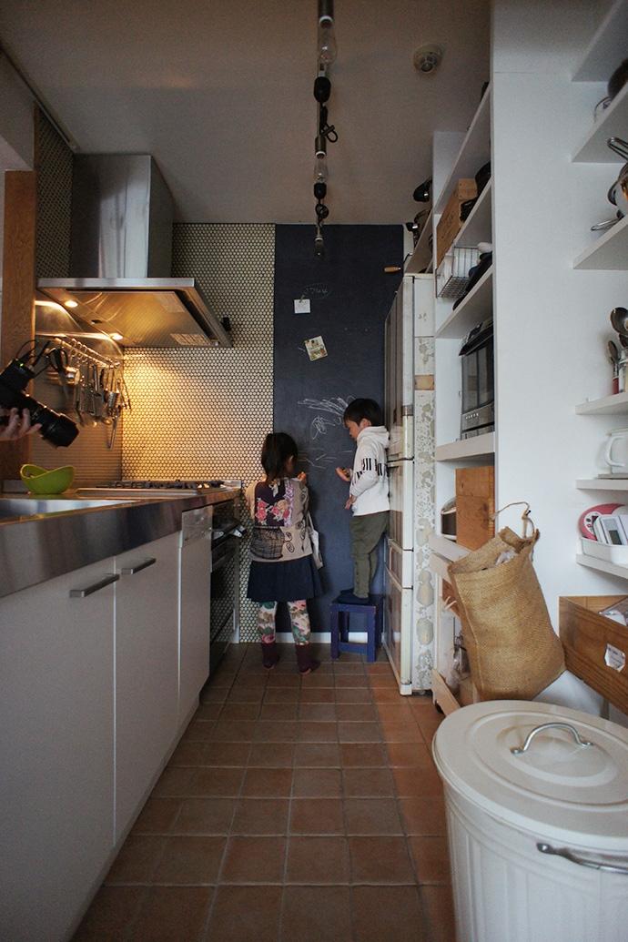横浜市F邸~Colmena~の写真 キッチン・黒板塗装