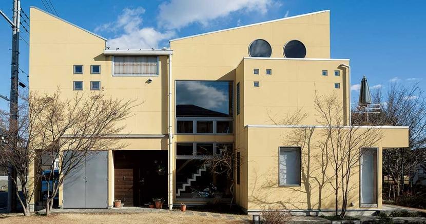 徹底的に生成りのビルトインガレージハウス/Imさんの家の部屋 外観