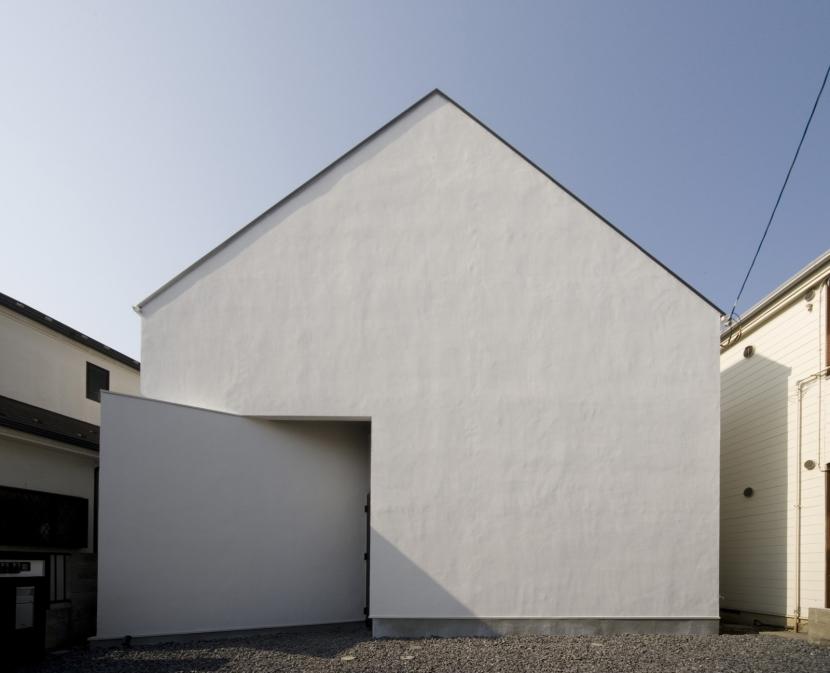 オウチ01・狭小二世帯住宅の部屋 シンプルな家型の外観