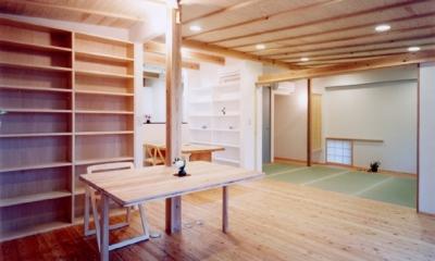 コンパクトハウス/Saさんの家 (建具の計画で機能も心もフレキシブルなリビング)