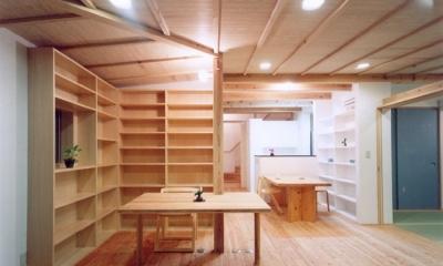コンパクトハウス/Saさんの家 (オープンな書斎コーナー)