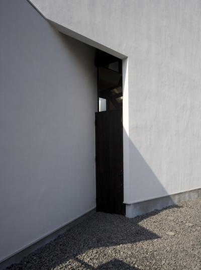 玄関ドア (オウチ01・狭小二世帯住宅)