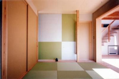 落ち着きも開放感も併せ持つ和室 (開放的、引戸を多用した木の家/川沿いの家)