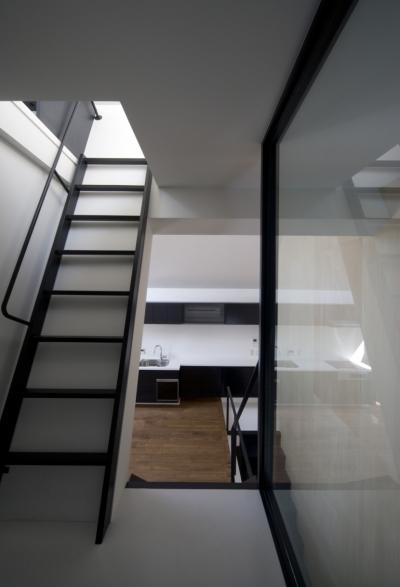 ロフトへの階段 (オウチ01・狭小二世帯住宅)