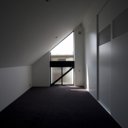 狭小二世帯住宅 OUCHI-01-若夫婦寝室